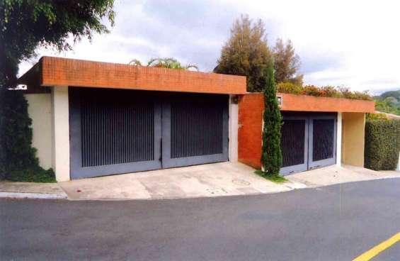 Vendo casa en residenciales el prado, zona 10 santa catarina pínula