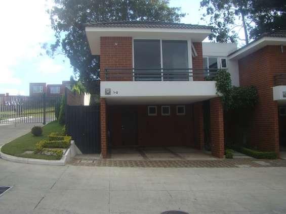 Vendo casa en condominio ensenada de san isidro san bartolo zona 16